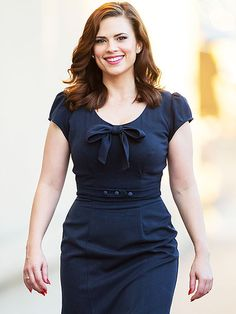 Star Tracks: Wednesday, January 7, 2015 | DUTY CALLS | Agent Carter's leading lady Hayley Atwell struts her stuff outside of Jimmy Kimmel Live on Tuesday in Los Angeles.