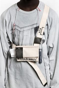 A-COLD-WALL* Drops New Items for Fall/Winter The latest from Samuel Ross' breakthrough label. Tee T Shirt, Scarf Shirt, Look Fashion, Fashion Bags, Womens Fashion, Fashion Trends, Vetements Clothing, A Cold Wall, Fall Bags