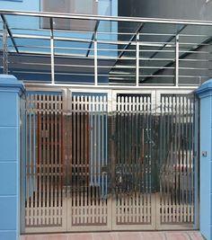 Xem 40 mẫu lan can ban công inox mặt tiền đẹp, sang trọng, hiện đại Qhd Wallpaper, Balcony Railing Design, Main Gate Design, Steel Gate, Blinds, Decoration, Stairs, Art Deco, Doors