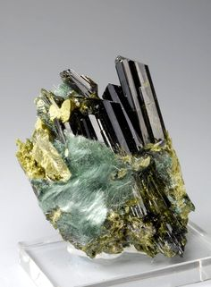 Epidote with Byssolithe / Mineral Friends <3