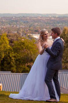 Dancing into the weekend. South African Weddings, Tie The Knots, Celebrity Weddings, Portrait Photographers, Bride Groom, Dancing, Wedding Photos, Happiness, Wedding Photography