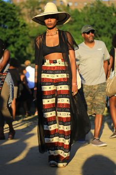 """Afro Punk Festival 2015 Tag von aagdolla"" - Afropean Editorial S/S 2019 - Afro Punk Fashion, Fashion Mode, Look Fashion, Cheap Fashion, Trendy Fashion, Festival Looks, Punk Outfits, Date Outfits, Refashioned Clothes"