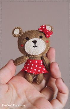 Felt Pocket bear