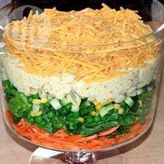 Pittige 7 laagjes salade @ allrecipes.nl