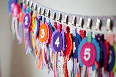 NIEUW: Verjaardagsbadges van #Roebie. Verkrijgbaar in webshop & winkel van #KikiBo (www.kikibo.nl)