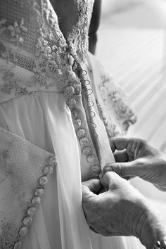 Creación del vestido de Anaïs, en el atelier de Carmen Soto, de The Bride, en Bilbao