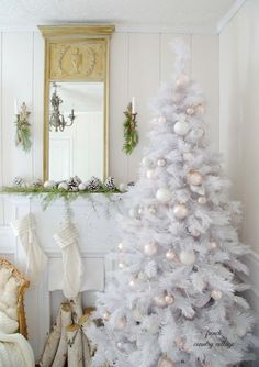 How To Decorate A White Xmas Tree - Pictures of Decor and Basement White Christmas Tree Decorations, Elegant Christmas Trees, Beautiful Christmas, Holiday Decor, White Xmas Tree, Yard Decorations, French Country Christmas, Cottage Christmas, Noel Christmas