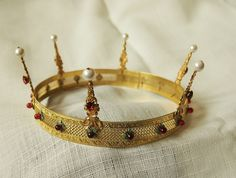The Rowan Berry Coronet - ideal height!