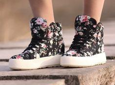 3a01f5afce1 ... selling floral print canvas shoes black high top sneakers platform  casual shoes en Calzado casual de hombre de Zapatos en AliExpress.com