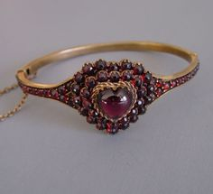 Victorian garnet heart-shaped bracelet with safety chain. Garnet Bracelet, Garnet Jewelry, Garnet Rings, Heart Jewelry, Jewelry Gifts, Jewelry Accessories, Fine Jewelry, Jewelry Design, Heart Bracelet