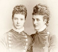 Empress Marie Feodorovna of Russia and Queen Alexandra of the United Kingdom....born Danish princesses.A♥W