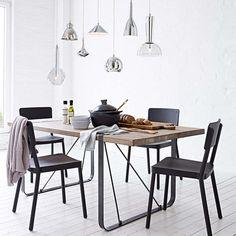 Esstisch aus Dattelholz und Metall in schwarz/natur bei IMPRESSIONEN