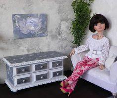 Tonner+Ellowyne,+Modern+BJD+Tyler,+Barbie+Blue+&+White++Furniture++Doll+Diorama+