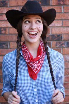 Hemd mit Karomuster, Halstuch und Cowboyhut für Cowgirl