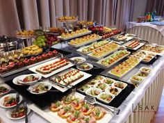 Brunch Buffet and Food Inspiration – the House of Grace Brunch Buffet, Party Buffet, Appetizer Buffet, Catering Food Displays, Fruit Displays, Catering Buffet, Buffet Set Up, Buffet Ideas, Fingers Food