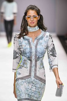 Berlin, Cover Up, Dresses With Sleeves, Long Sleeve, Fashion, Moda, Sleeve Dresses, Long Dress Patterns, Fashion Styles