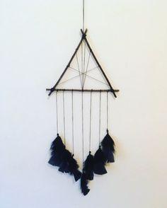 Boho negro triángulo atrapasueños, atrapasueños, místico, negro plumas, pared que cuelga, decoración casera