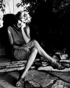 Marilyn Monroe Çizgili Elbise ile