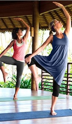 I'm Currently Obsessed With Doing Yoga At Least Twice A Day! Great Stress Reliever And Work Out! Yoga Dance, My Yoga, Kundalini Yoga, Yoga Meditation, Yoga Inspiration, Fitness Inspiration, Yoga Dress, Yoga Breathing, Outdoor Yoga