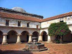 MUSEOS DE LA ANTIGUA GUATEMALA  Iglesia y evento de las capuchinas