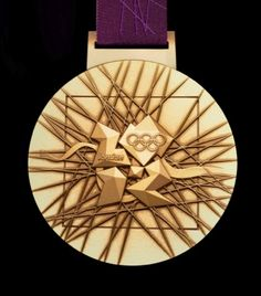The London 2012 Olympic medals have been designed by artist David Watkins come through a six-way Locog tender with his design which casts the Wolff Olins Olympics logo with a set of other symbols. Olympic Logo, Olympic Sports, Olympic Games, Marathon Posters, 2012 Summer Olympics, Olympic Gold Medals, Going For Gold, Packaging, Sports Art