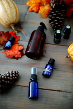 Looking for some Cozy and Uplifiting Fall Essential Oil Blends? Top US lifestyle blog, Fresh Mommy Blog, features their 9 Favorite Recipes. Click here now!!