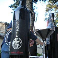 #vino #friuli #merlot #cabernet #redwine Colli Orientali del Friuli Doc '09 Rosso Celtico. Moschioni. http://www.michelemoschioni.it/ (presso Cividale del Friuli)