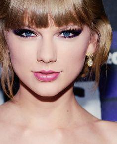 Taylor Swift ... visit http://www.cafe65.com