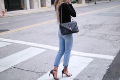 Angelique Eva Style, Ysl college bag, Designer bag, Black Bag, High waisted Denim! Ysl College, College Bags, Saint Laurent Bag, Chanel Boy Bag, Casual Outfits, Shoulder Bag, Handbags, Tote Bag, Denim