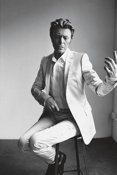 David Bowie(R.I.P) by Richard Avedon.
