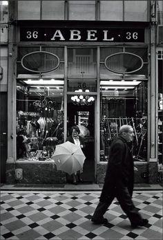Passage du Caire. 1981  Robert Doisneau  © Atelier Robert Doisneau 2014