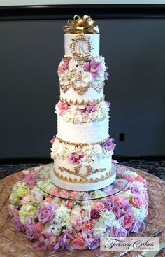 29 Gorgeously Embellished Wedding Cakes - MODwedding