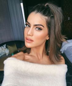 Top 10 Makes Camila Coelho Make Up Looks, Beauty Make-up, Hair Beauty, Bride Makeup, Hair Makeup, Brown Hair Tones, Straight Hairstyles, Cool Hairstyles, Ombré Hair