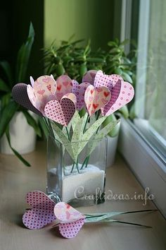 Paper Craft Decoration for Valentine's Day or Mother's Day - Paper Hearts Bouquet