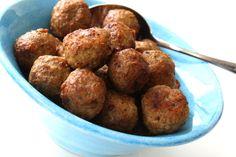 Idag blir det ett enkelt recept på de goda ochenkla köttbullar, köttbullar som tillagas i ugn. För visst är det så att hemmagjorda köttbullar är det allragodaste!? Och när det är smidigt och lätt att göra köttbullar så är det ju ännu bättre . Jag brukar göra köttbullar på 2 … Läs mer Health Fitness, Food And Drink, Yummy Food, Lunch, Beef, Vegetables, Ethnic Recipes, Tips, Essen