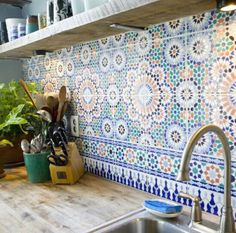 I've always wanted a big, Spanish-style kitchen, and this backsplash is perfect for it! :) If/when I get the opportunity to build my dream home, I definitely want something like room design home design house design Moroccan Tile Backsplash, Backsplash Tile, Moroccan Tiles Kitchen, Tiling, Herringbone Backsplash, Spanish Tile Kitchen, Moroccan Bathroom, Mediterranean Kitchen Backsplash, Kitch Backsplash Ideas