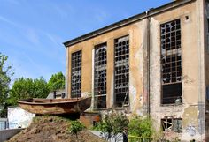 AnneLiWest|Berlin: NGORONGORO – Kunst im Fabrikensemble mit Pool