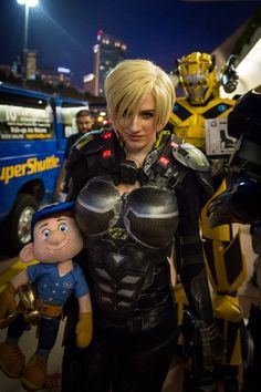 Sgt. Calhoun and Felix (Wreck It Ralph) Cosplay - #SDCC San Diego Comic Con 2014