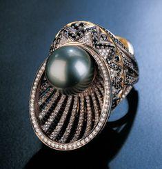 Royal Jewelry, Pearl Jewelry, Jewelry Art, Jewelry Rings, Jewelery, Fashion Jewelry, Jewelry Design, Lapis Lazuli Jewelry, Jewelry Illustration