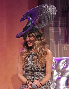 Sarah Jessica Parker Wearing A Hat Designed by Philip Treacy at The VRC Oaks Club Ladies Luncheon in Melbourne. Philip Treacy Hats, Races Style, Ladies Luncheon, Crazy Hats, Races Fashion, Wearing A Hat, Fascinator Hats, Sarah Jessica Parker, Classic Chic