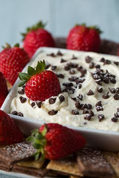 Cannoli Dip - AKA the best desert on the planet. I love cannolis and this is an amazing at-home recipe!