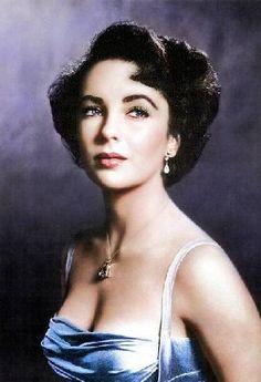 images of a young elizabeth taylor in color | Era muy conocida por el color de sus ojos, MORADOS.