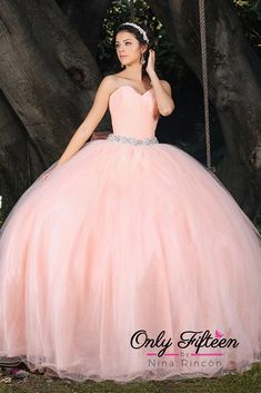 ☎ Llámanos al: ( 81 ) 2511 2275  Visítanos en: Ave. Simón Bolviar #224 esquina con Daniel Zambrano, Col. Chepevera, Mty  Lun-Sáb 11:00am a 7:00pm   Síguenos en Facebook e Instagram: OnlyFifteenMty Ombre Prom Dresses, Pretty Quinceanera Dresses, Pretty Prom Dresses, Quinceanera Party, Ball Gown Dresses, Pageant Dresses, Fairytale Dress, Quince Dresses, Sweet 16 Dresses