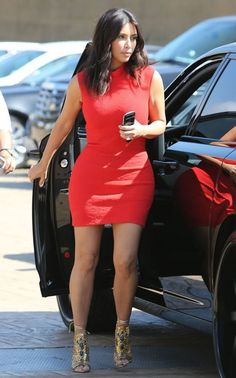 //Pinterest @esib123 // #style #inspo kim-kardashian-red-dress