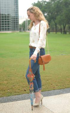 hm floral print blouse // current elliott jeans // nude heels // cognac cross body bag // Cheers J