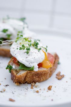 Breakfast Photography, Food Photography, Toast Sandwich, Egg Recipes For Breakfast, Brunch Ideas, Food Styling, Sandwiches, Cooking Recipes, Eggs