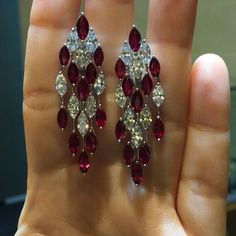 Magnificent #ruby and #diamond #earrings ❤️❤️❤️ #exceptionalpiecesofart ⭐@pacoarthk️️