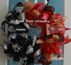 1 Deco Mesh House Divided wreath (pictured in STYLE #1) - please indicate teams in order notes box!  YOU MUST CHOOSE STYLE #1 (original) OR STYLE #2 (ruffle) - see second picture in listing!!  Made with two colors of deco mesh and accented with each individual schools colors to showcase the team logos on each side (can be done in pretty much every team). Measures approximately 24 inches. Indoor and outdoor pieces but my wreaths do appreciate a little shelter from the elements to stay in…
