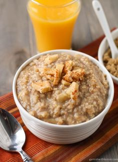 Baked Steel Cut Oatmeal with Apples and Cinnamon by garnishwithlemon #Oatmeal #Steel_Cut_Oatmeal #Apples