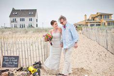 Intimate beach wedding on de Lovely Affair, DIY wedding, private beach